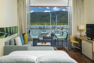 Horizon Marina View-Zimmer