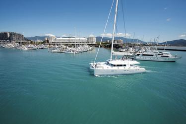 Einfahrt in den Hafen Cairns