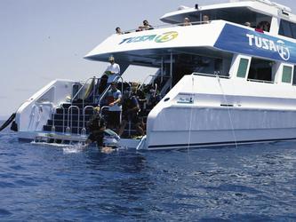 Wasserplattform vom Tauchschiff