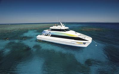 Tauchschiff TUSA am Great Barrier Reef