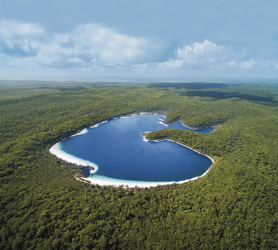 Lake McKenzie, Fraser Island, ©Tourism Queensland