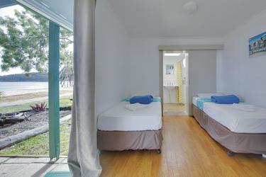 Weitere Einzelbetten im Strandbungalow