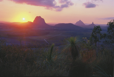 Sonnenuntergang im Glass House Mountains Nationalpark, ©Tourism Queensland Image Library