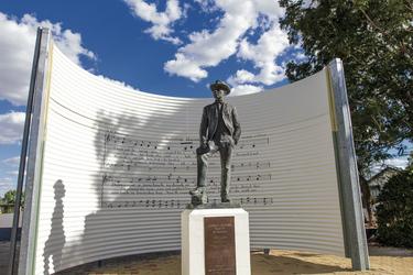 Banjo Patterson Statue in Winton, ©Tourism & Events Queensland