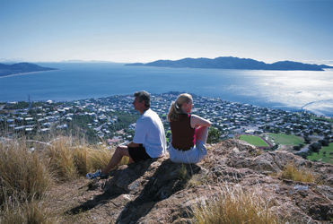 Blick auf Townsville und Magnetic Island