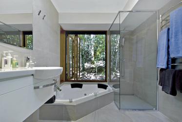Modernes Bad (Beispiel)