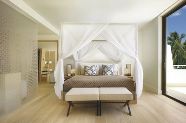 Schlafzimmer in der Suite, ©2014 Barbara Kraft