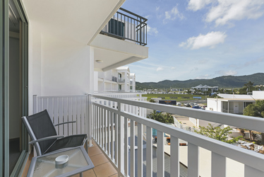 Balkon mit Stadtblick