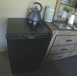 Kühlschrank im Zelt