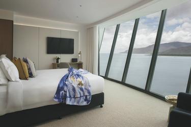 Panoramic Sea Room