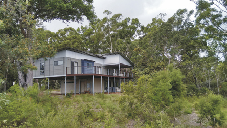 Waiuta Retreat, Kingfisher Bay