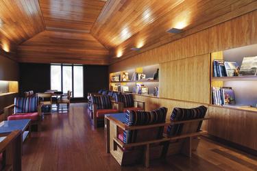 Bibliothek für die Gäste