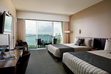 Zimmer mit Meerblick und Balkon, ©Copyright_ Jk Imaging