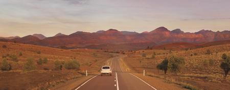 Fahrt in die Flinders Ranges ©SATC