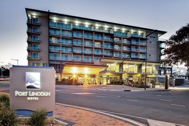 Port Lincoln Hotel, ©Copyright_ Jk Imaging