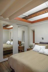 Eco Villa: Schlafzimmer mit Dachfenster
