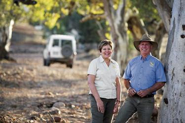 Julie und Tony - Ihre Gastgeber