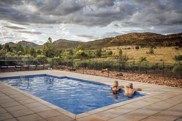 Pool der Eco Villa-Gäste