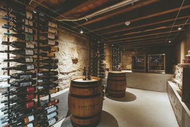 Hauseigener Weinkeller, ©LJ Hooker Hobart