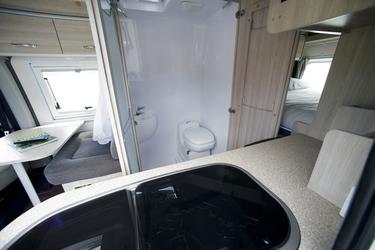 Sanitarbereich: Dusche/WC/Waschbecken