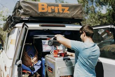 Ausziehbarer Kühlschrank im Kofferraum