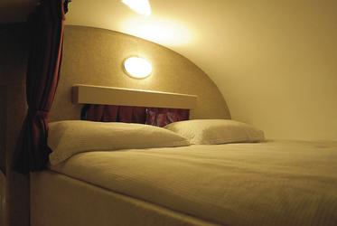 3. Bett im Alkoven über dem Fahrerhaus