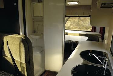 Sanitärraum mit Dusche/WC