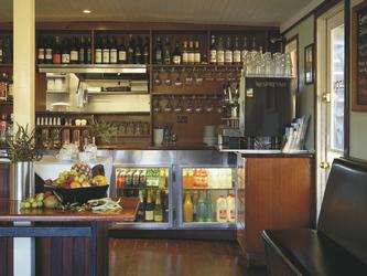 PS Emmylou Bar