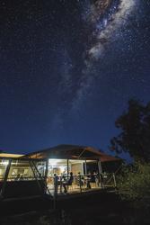 Restaurant unter Sternen, ©Paul Pichuginnpaulpichugin.com
