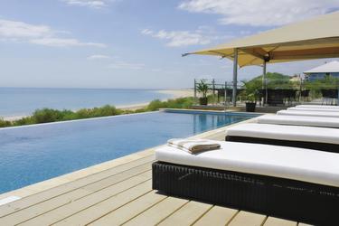 Pool und Sonnendeck