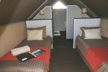 Komfortable Betten und Bad mit Dusche/WC
