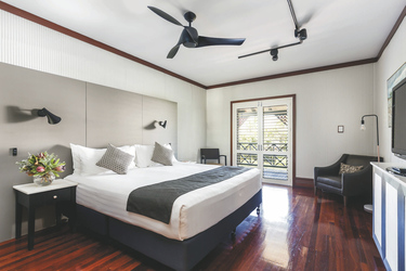 Studio mit Doppelbett