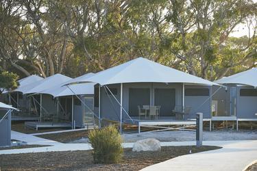 Standard- und Superior-Zelte