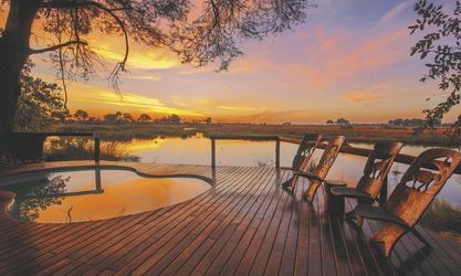 Sonnenuntergang beim Pool , ©Kwando Safaris