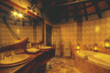 Badezimmerbeispiel, ©Desert & Delta Safaris