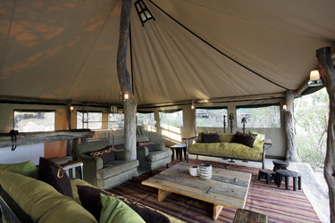 Sango Safari Camp, Lounge