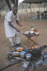 Kochen unter freiem Himmel, ©DOOKPHOTO
