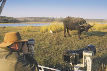 andBeyond Botswana Classic Explorer auf Pirschfahrt, ©DOOKPHOTO
