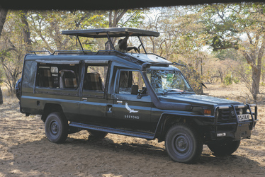 Safari-Fahrzeug, ©DOOKPHOTO