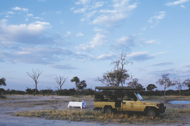 Sundowner im Busch , ©Desert und Delta Safaris