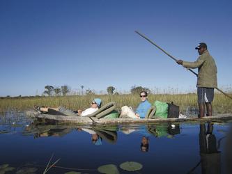 Mit dem Mokoro ins Okavango Delta