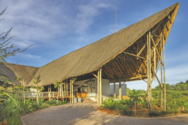 Moderner Eingangsbereich , ©Under One Botswana Sky