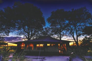 Hauptgebäude Linyanti Bush Camp, ©African Bush Camps