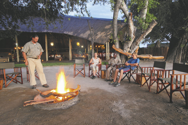 Feuerstelle, Pom Pom Camp, ©Under One Botswana Sky