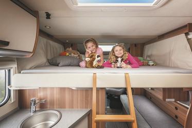 Absenkbares Doppelbett im Wohnbereich