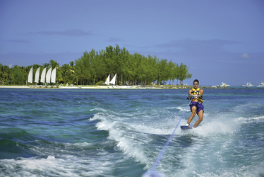 Wassersportparadies, ©Beachcomber Hotels