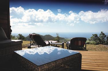 Terrasse mit Ausblick, ©Matthieu Francoise Photographie
