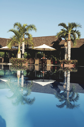 Poollandschaft des Iloha Seaview Hotels