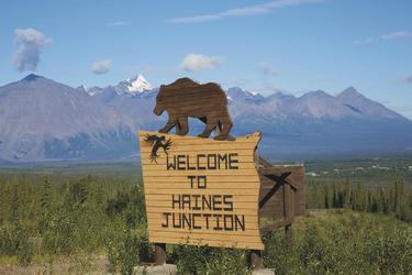 Willkommen in Haines Junction, ©Holger Bergold