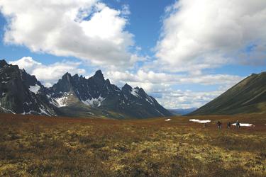 Blick auf die Tombstone Mountains, ©Holger Bergold